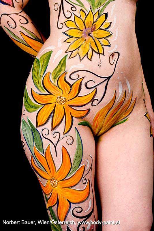 Bodypainting Blumenranken - Bodypaint-Galerie